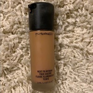 MAC•  next to nothing face Colour